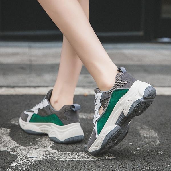 Ежедневни дамски маратонки в бежов и зелен цвят с връзки