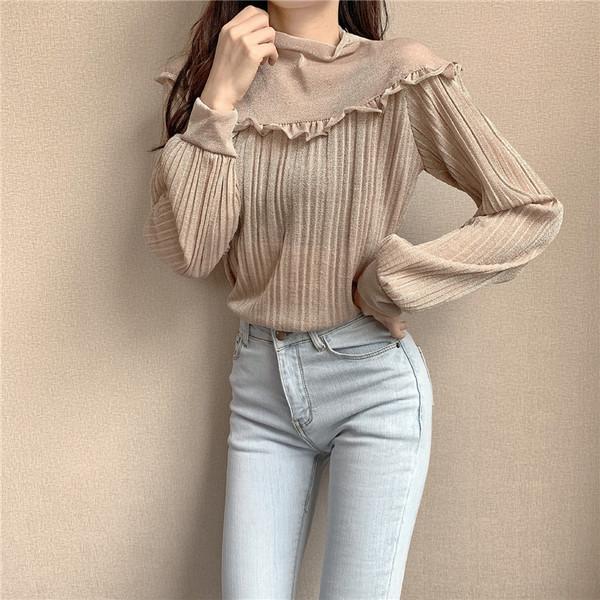 Дамска блуза с овално деколте и лъскав ефект в два цвята