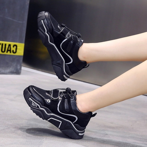Ежедневни дамски маратонки от еко кожа с връзки в три цвята