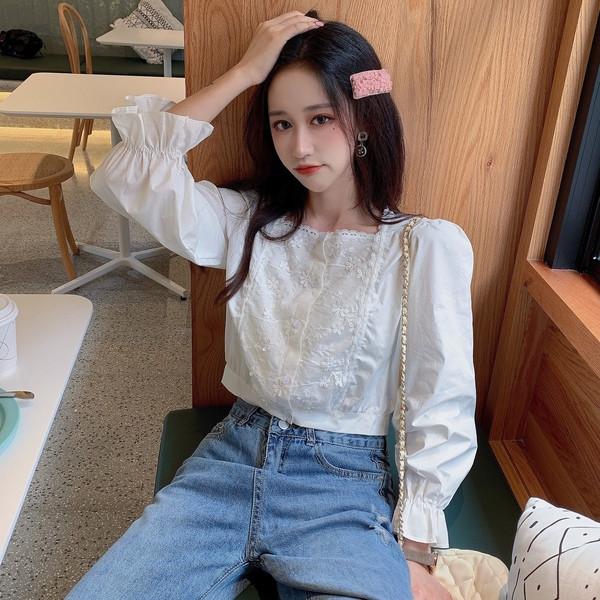 Къса дамска блуза с дантела и дълъг ръкав с ластик