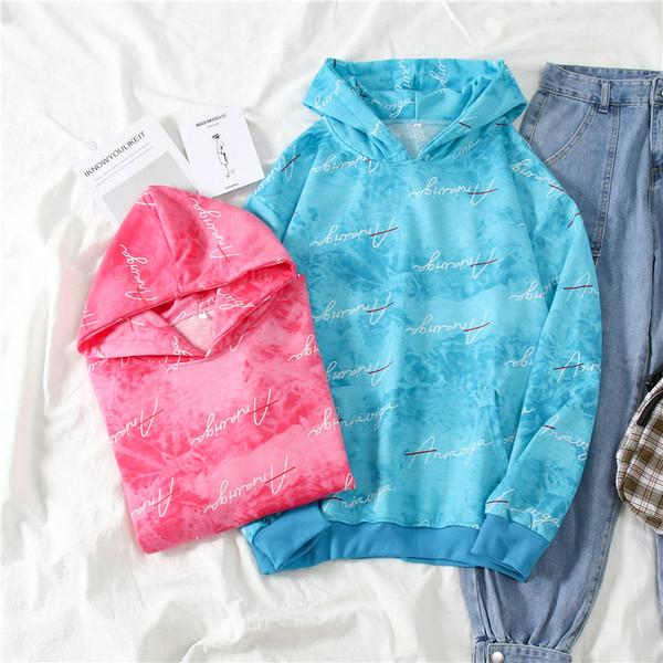 Μοντέρνο γυναικείο φούτερ με κουκούλα και τσέπη σε μπλε και ροζ χρώμα