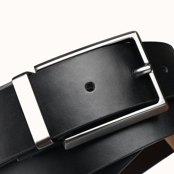 Стилен мъжки колан в черен цвят от еко кожа