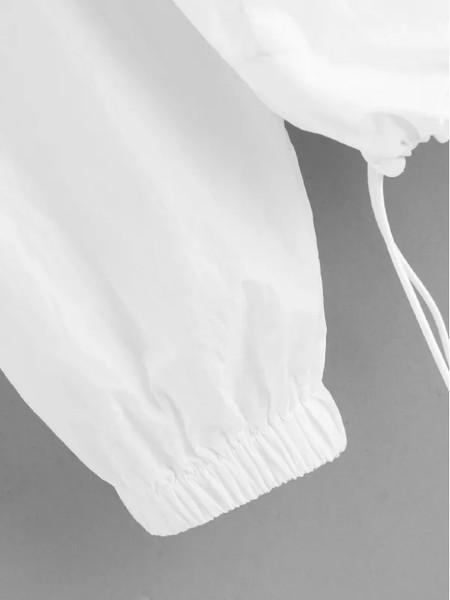 Καθημερινό γυναικείο μπουφάν σε λευκό χρώμα