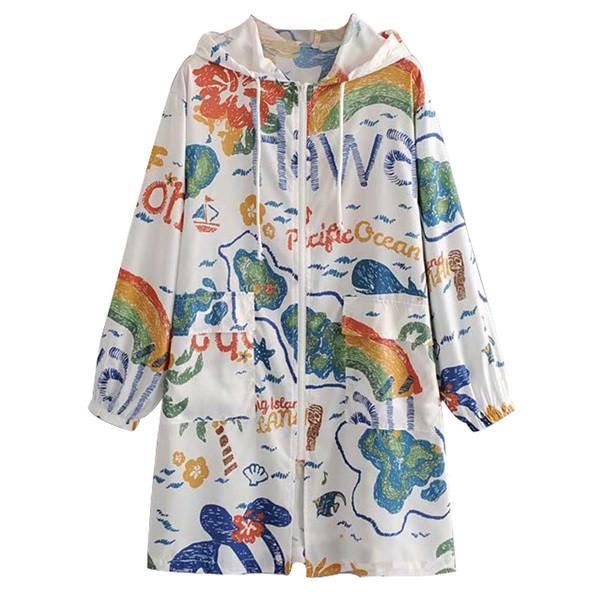 Γυναικείο φθινοπωρινό μπουφάν με πολύχρωμο πριντ και κουκούλα