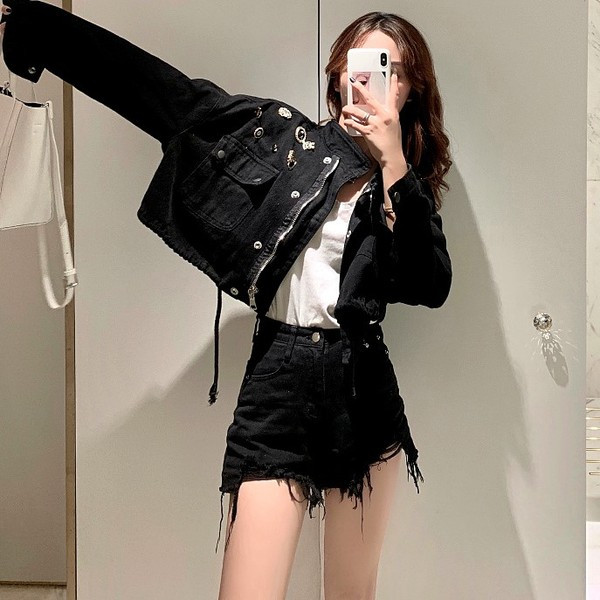 Γυναικείο μοντέρνο μπουφάν  φαδύ μοντέλο σε δύο χρώματα