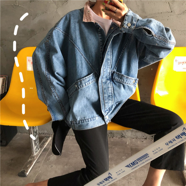 Γυναικείο τζιν μπουφάν - ευρύ μοτίβο σε μπλε χρώμα