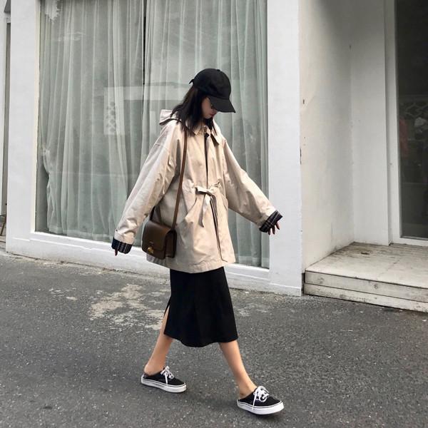 Γυναικείο μπουφάν φαρδύ μοντέλο σε δύο χρώματα - μπεζ και μπλε