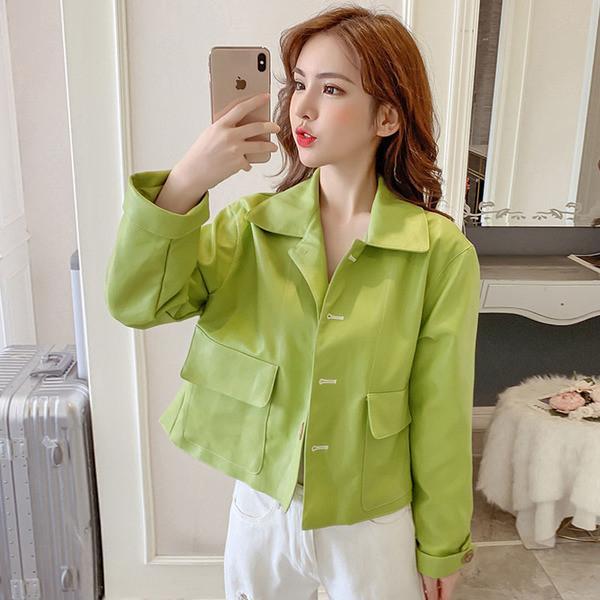 Γυναικείο κοντό μπουφάν από οικολογικό δέρμα σε δύο χρώματα - πράσινο και μαύρο