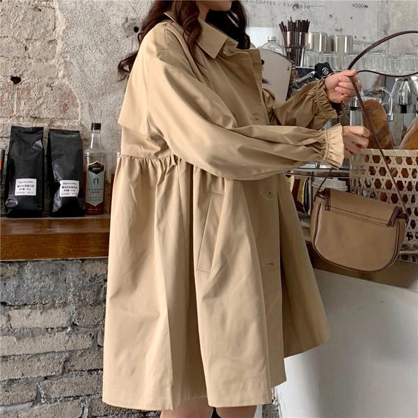 Дамско модерно палто широк модел в бежов цвят