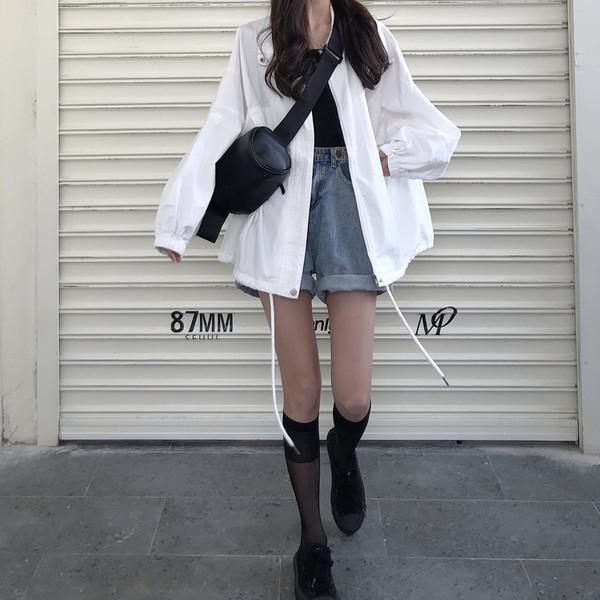 Γυναικείο μπουφάν σε λευκό χρώμα -ευρύ μοντέλο