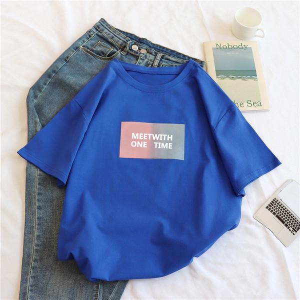 Дамска плътна блуза с овално деколте с щампа в шест цвята