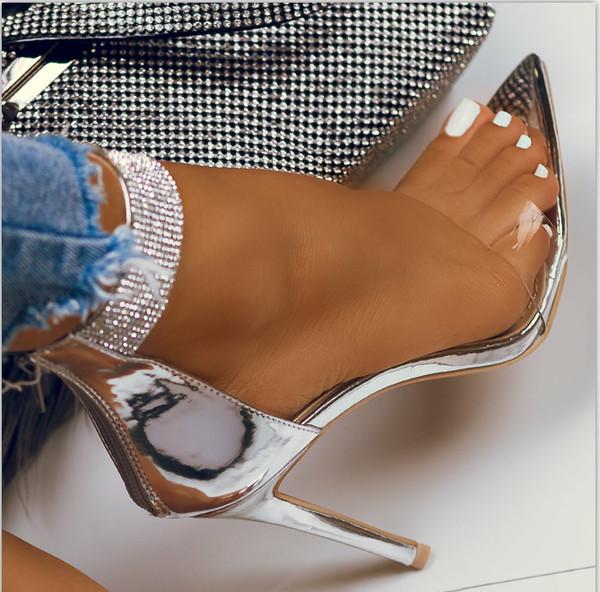 Κομψά γυναικεία παπούτσια με ψηλά τακούνια με ασημένιες πέτρες