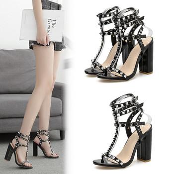 Елегантни дамски сандали с висок ток и капси в черен цвят