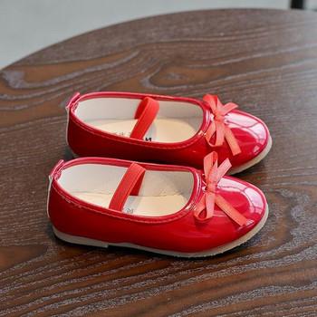 Детски лачени обувки с панделка в черен, розов и червен цвят
