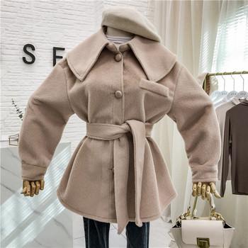 Актуално дамско палто с копчета и колан в три цвята