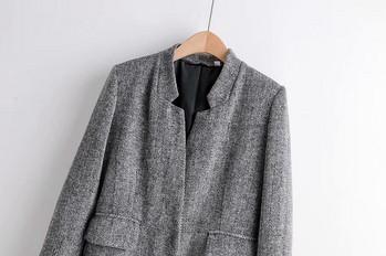 Тънко дълго палто в сив цвят без закопчаване