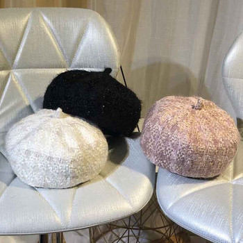 Нов модел зимна дамска шапка в различни цветове