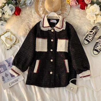 Нов модел модерно дамско палто с класическа яка и джобове в черен цвят