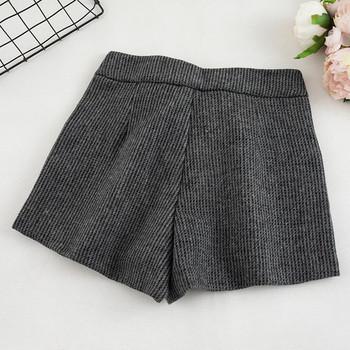 Дамски къси панталони в три цвята с джобове и висока талия