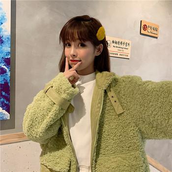 Дамско меко палто в два цвята с висока яка и цип