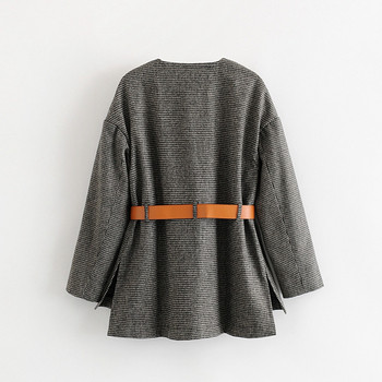 Дамско тънко карирано палто с кожен колан