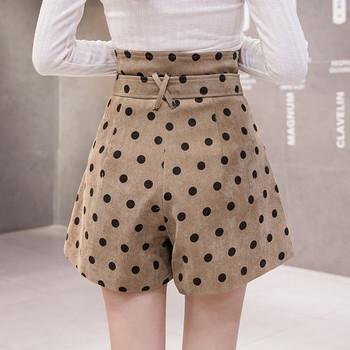 Нов модел дамски къси панталони на точки в бял и кафяв цвят