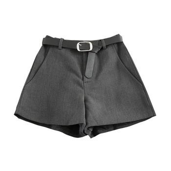 Модерни дамски къси панталони в сив и черен цвят с колан и висока талия
