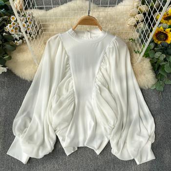 Дамска блуза с О-обло деколте в бял цвят