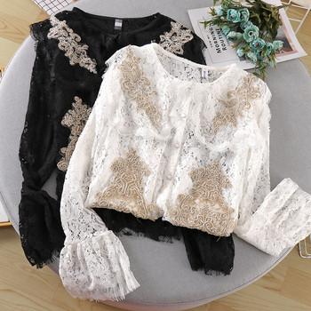 Дамска модерна дантелена блуза с бродерия и копчета в бял и черен цвят