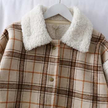 Модерно дамско карирано късо палто с джоб в два цвята