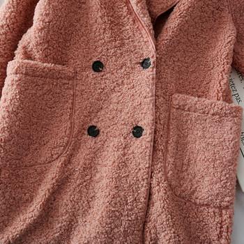 Модерно дамско дълго палто с копчета и джоб в различни цветове