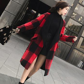 Стилно дамско карирано палто с джоб и две лица