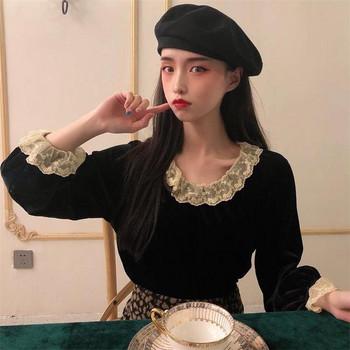 Дамска модерна блуза в два цвята с дантела - от кадифе