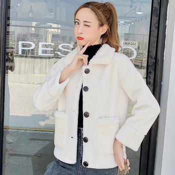 Нов модел модерно дамско палто с копчета и джобове в кафяв и бял цвят