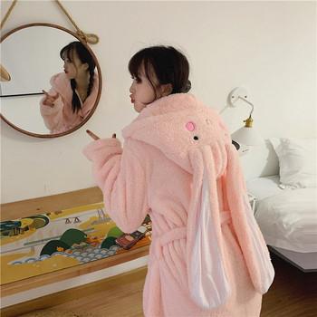 Дамски актуален мек халат в розов цвят