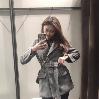 Дамско пролетно-есенно палто в сив цвят с колан