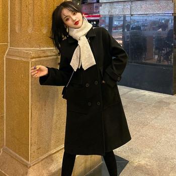 Дамско елегантно дълго палто в черен цвят - широк модел