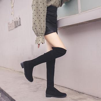 Хит Модерни дамски велурени ботуши с нисък  ток в черен цвят
