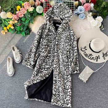 Модерно дамски дълго палто с животински десен в два цвята