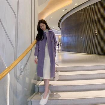 Дълго палто в лилав цвят с копчета и джобове