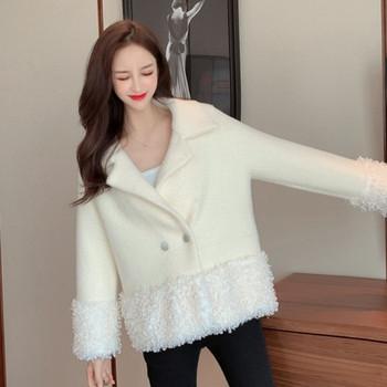 Нов модел модерно дамско палто с копчета в бял и черен цвят