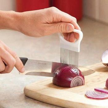 Инструмент от неръждаема стомана за лесно рязане на лук в бял цвят