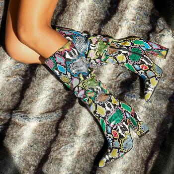 НОВ модел дамски ботуши с дебела ток и животински десен в два цвята