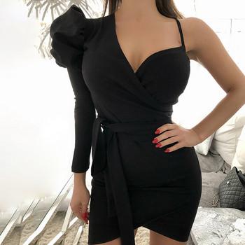 Модерна дамска къса рокля с дълбоко деколте и връзки в черен и розов цвят