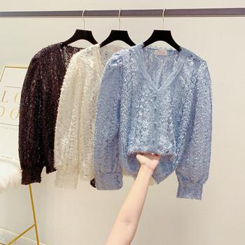 Модерна дамска дантелена блуза с шпиц деколте в три цвята