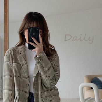 Дамско модерно карирано сако с джобове