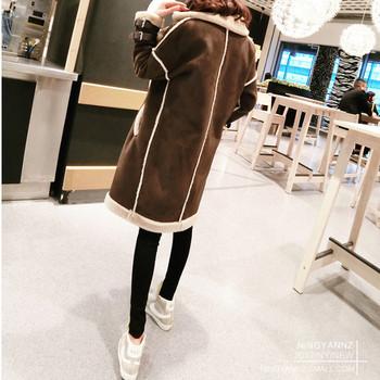 Модерно дамско дълго палто с цип и мека подплата в кафяв цвят