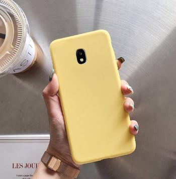 Изчистен силиконов калъф за Samsung Galaxy J5 в жълт цвят