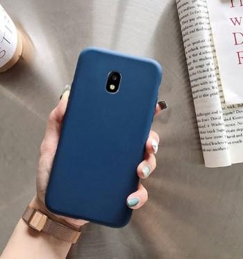 Изчистен силиконов калъф за Samsung Galaxy J7 в син цвят
