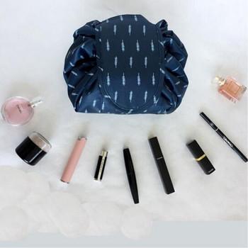 Φορητή θήκη μακιγιάζ και προϊόντα περιποίησης - τρία μοντέλα